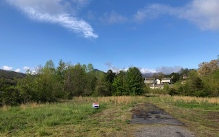 277501  Commercial Lot
