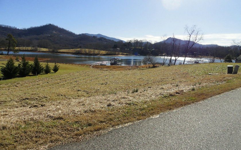 274606 Hayesville Lake Front Lot