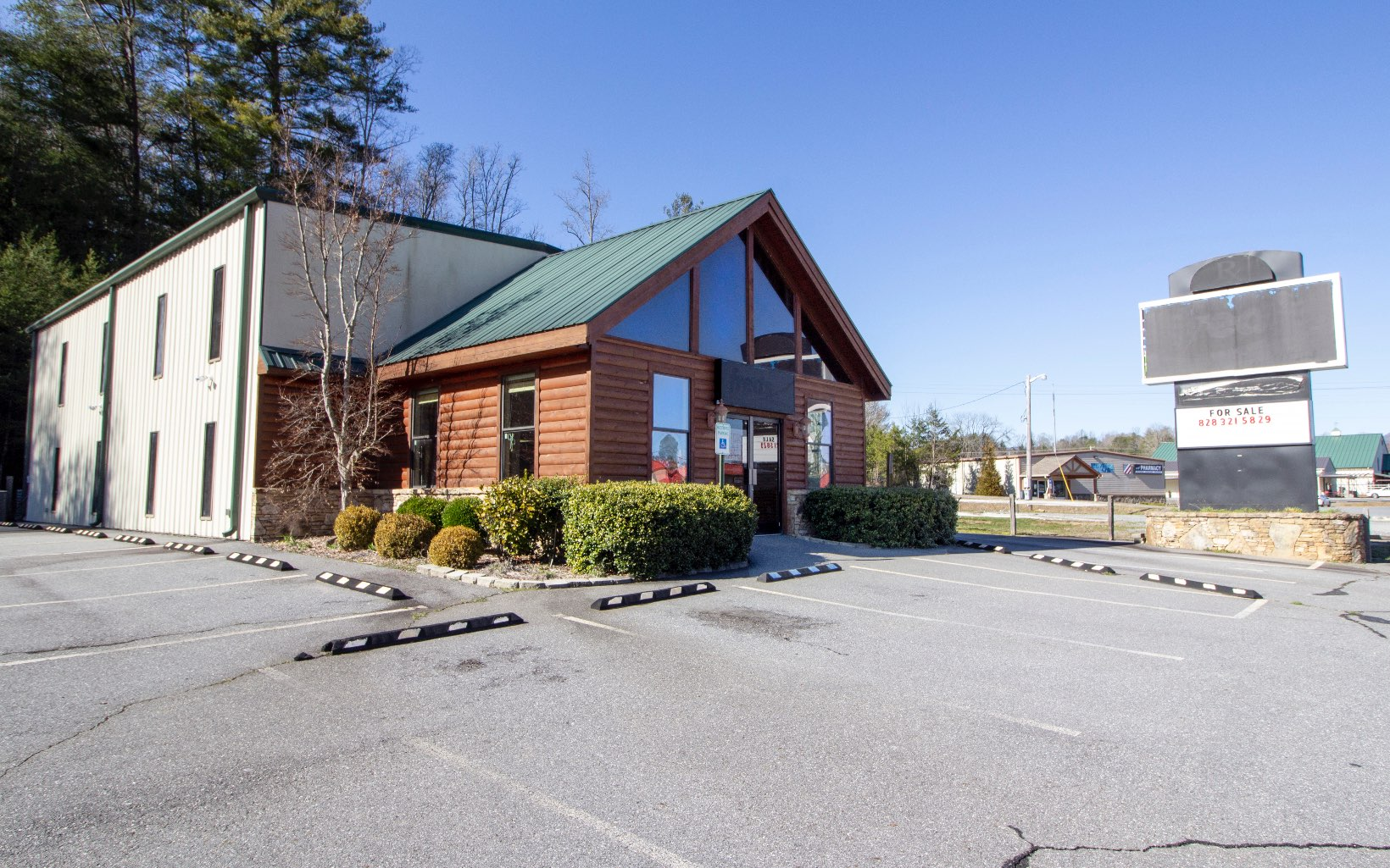 295710 Hayesville Commercial