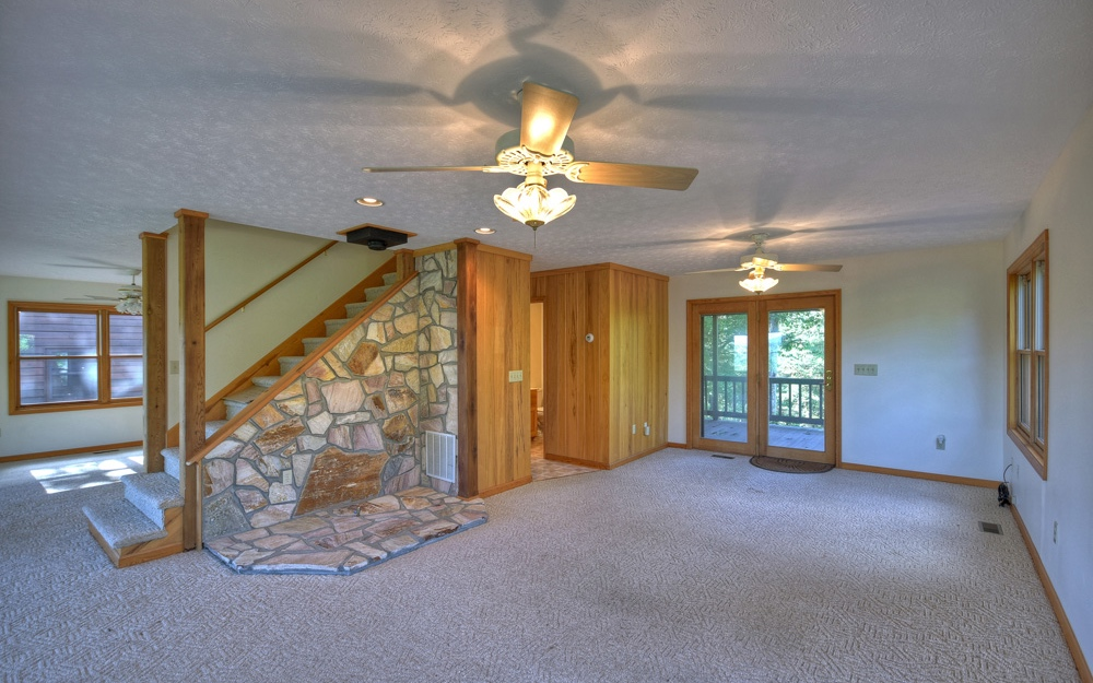 282815 Mineral Bluff Residential