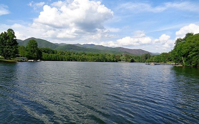 268517 Hayesville Lake Front Lot