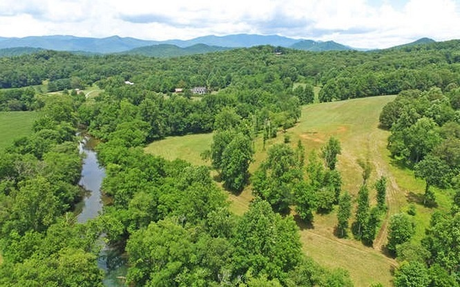 279522 Hayesville River Front
