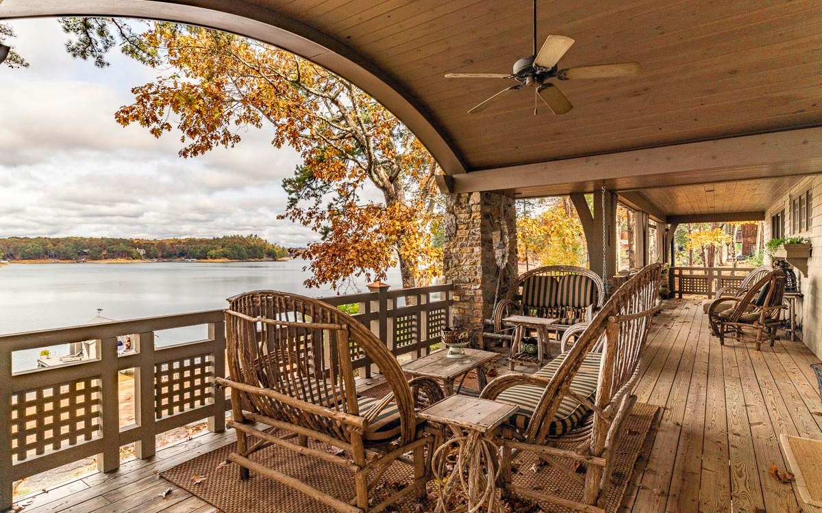 Lakefront Listing in the Blue Ridge Mountains