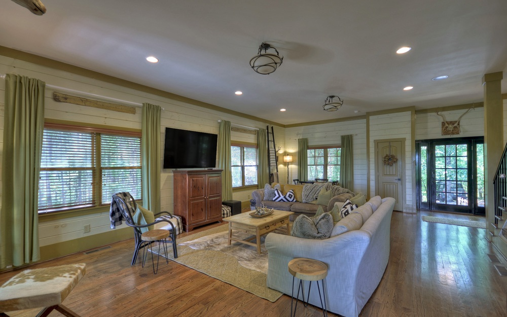 281031 Mineral Bluff Residential