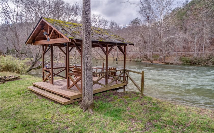 275333 Mineral Bluff Residential
