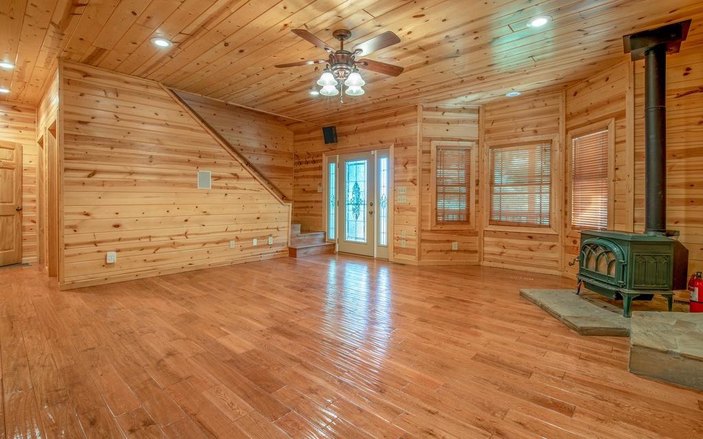 279433 Blairsville Residential