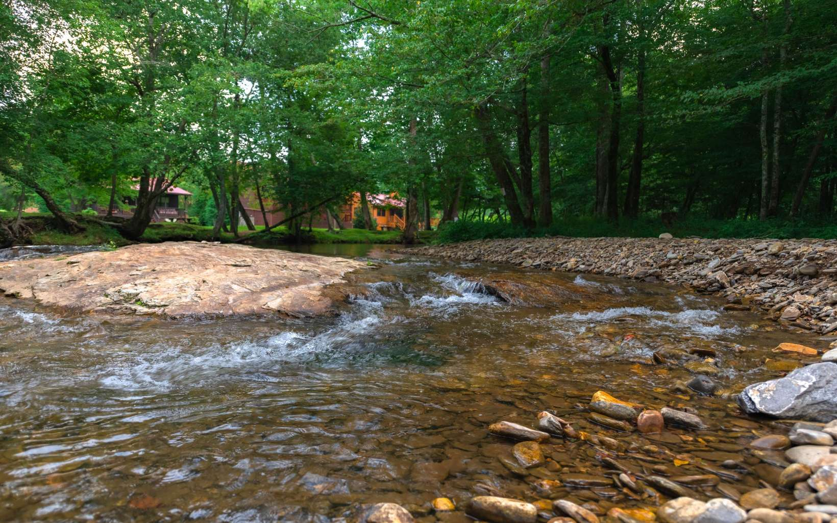 311046 Blairsville River Front