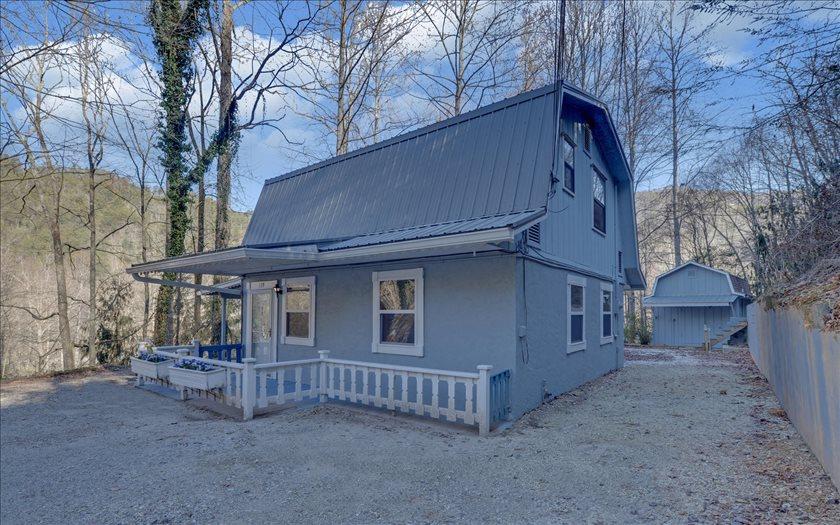 273350 Andrews Residential