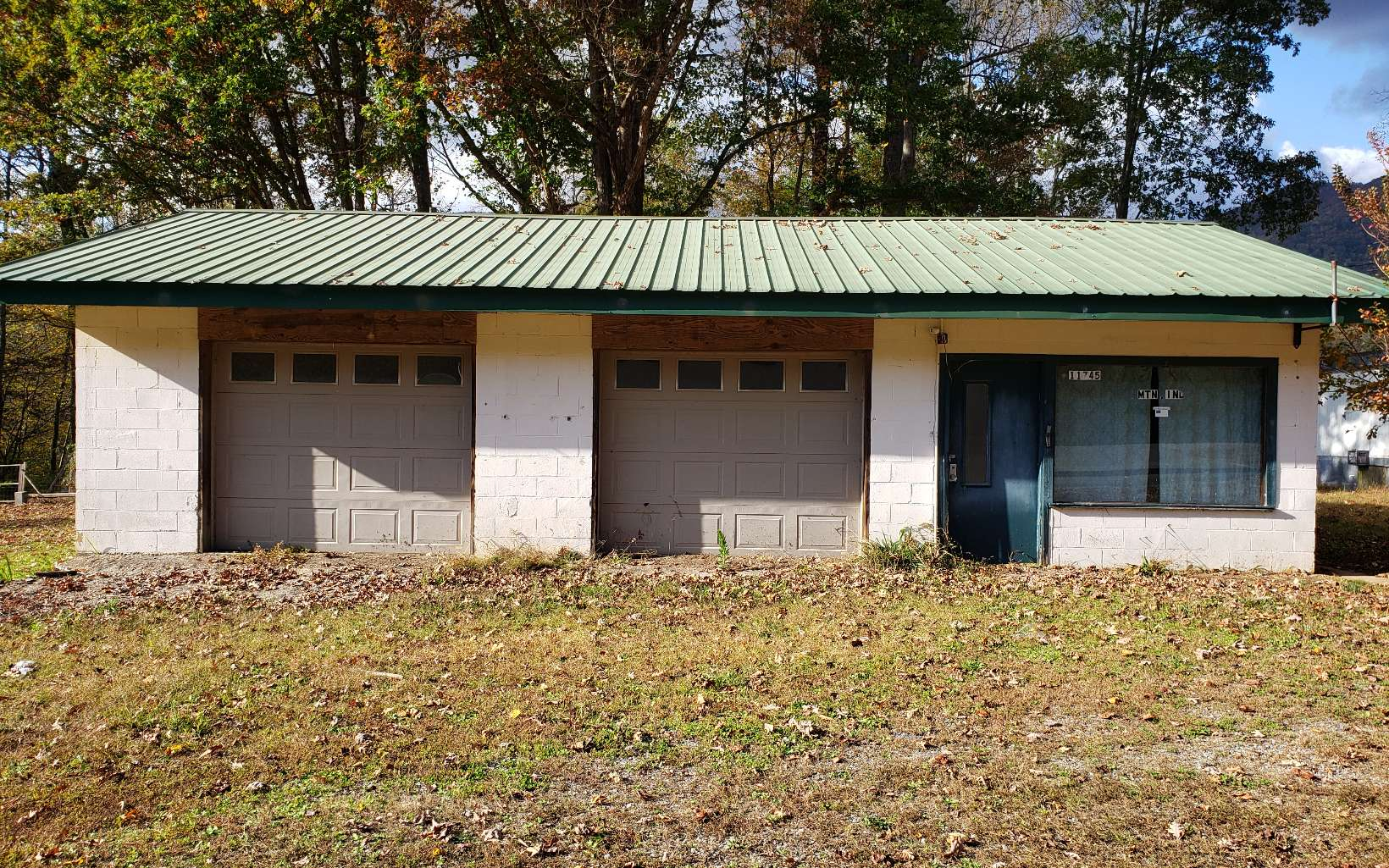 302158 Hayesville Commercial
