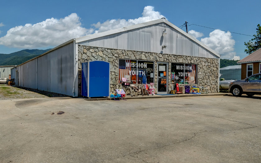 271561 Andrews Commercial