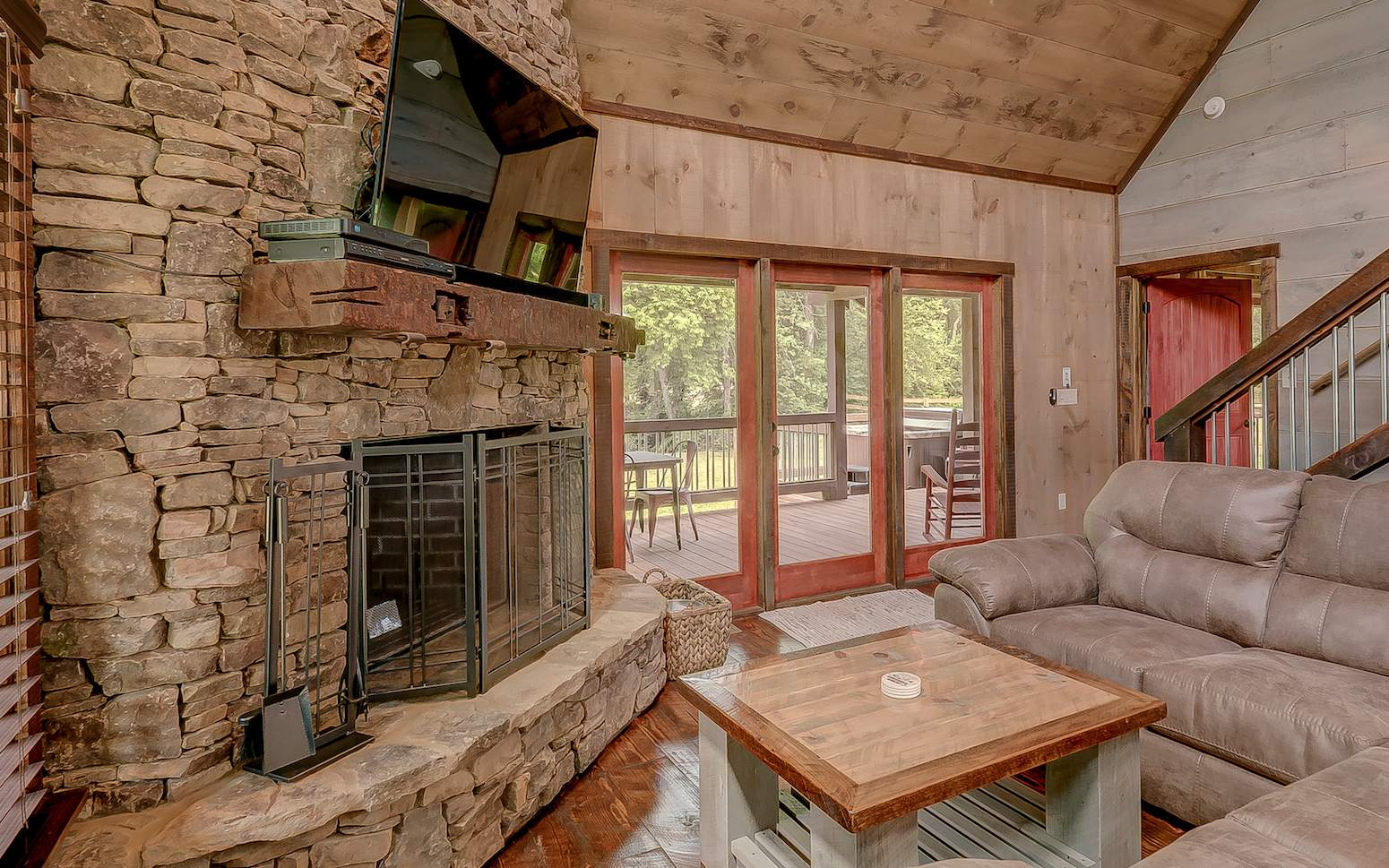 286867 Mineral Bluff Residential