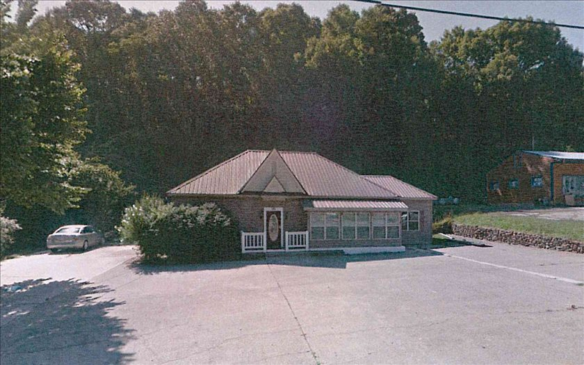 268871 Mc Caysville Commercial