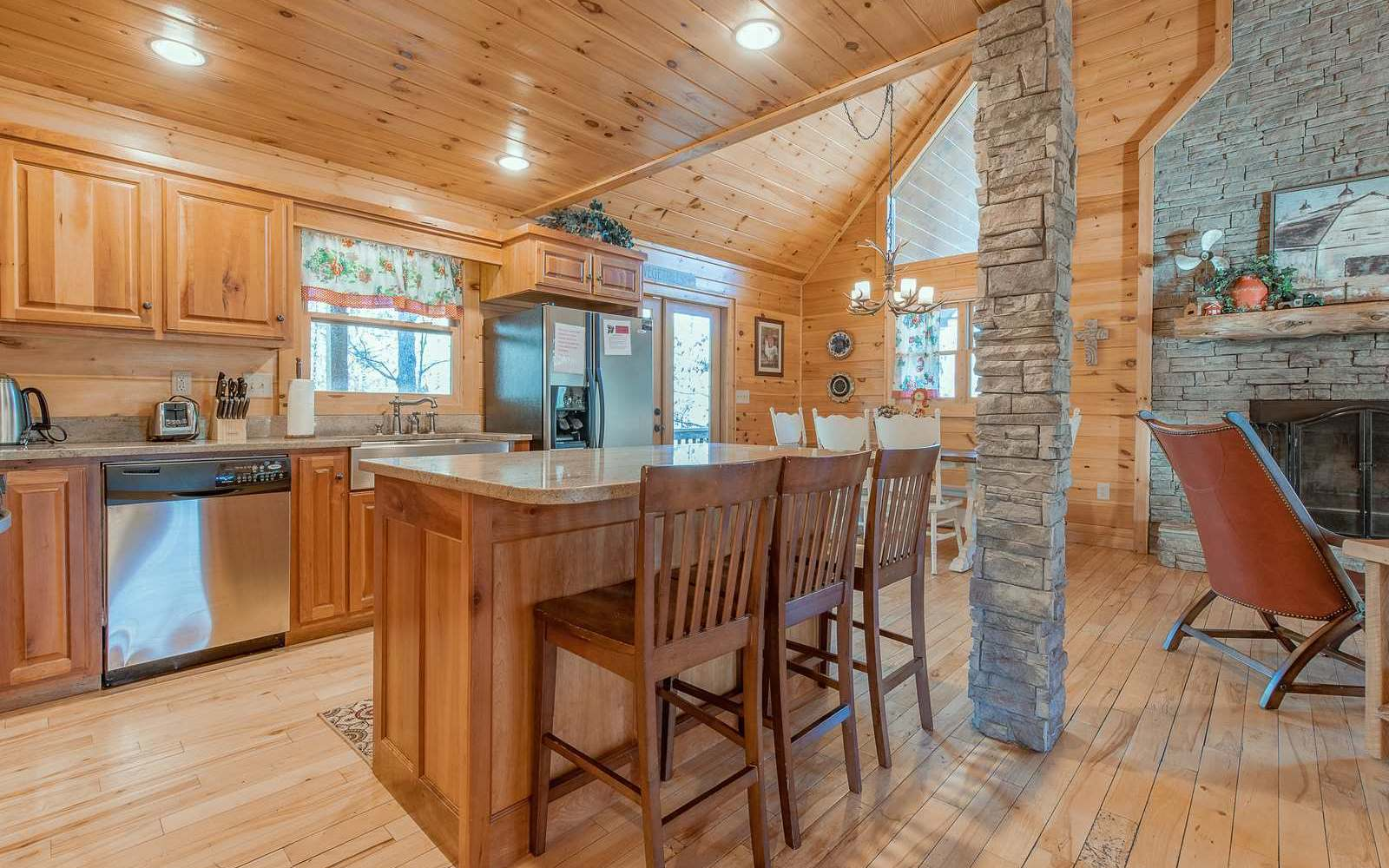 284571 Mineral Bluff Residential