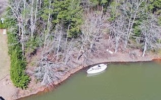 285773 Hayesville Lake Front Lot