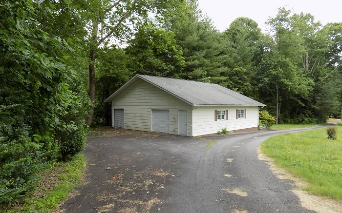 273976 Andrews Residential