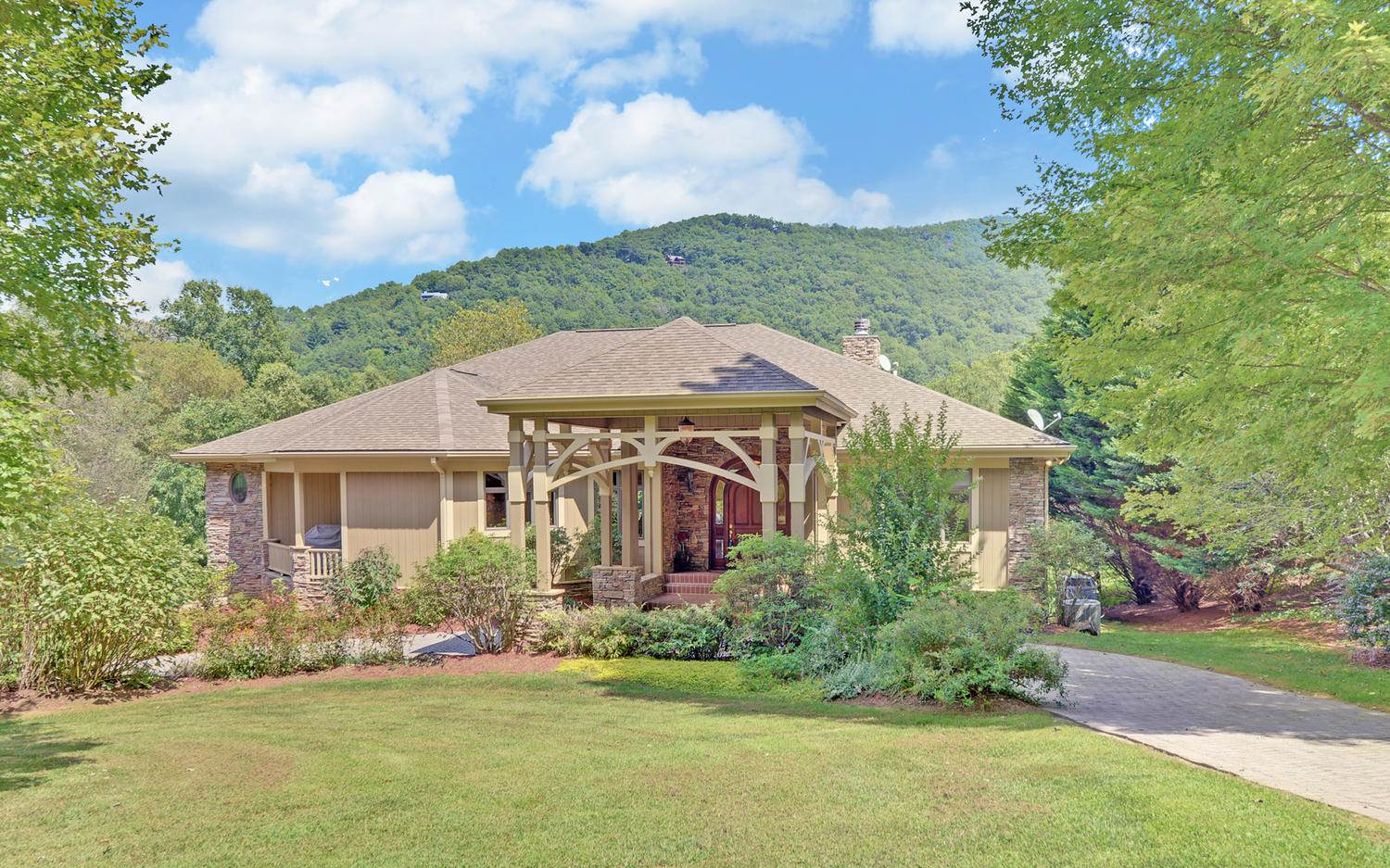 285680 Hiawassee Residential