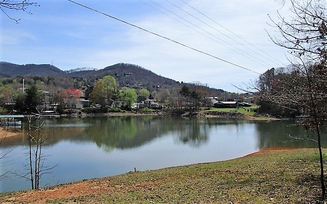 276685 Hiawassee Lake Front Lot