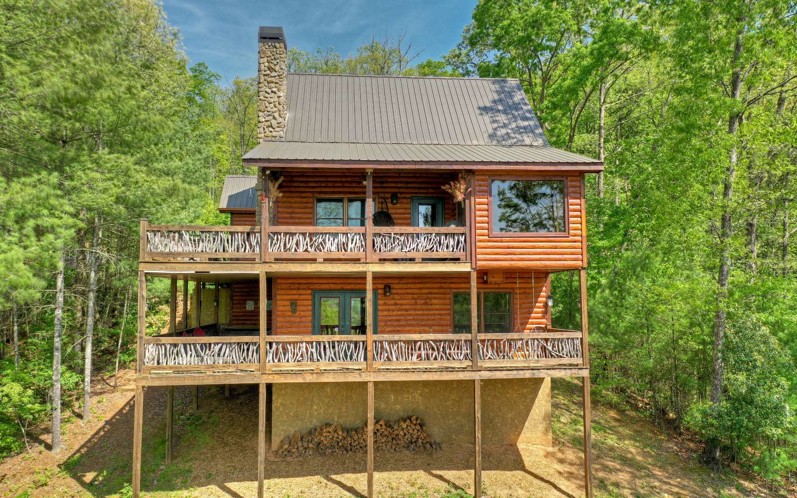 285285 Mineral Bluff Residential