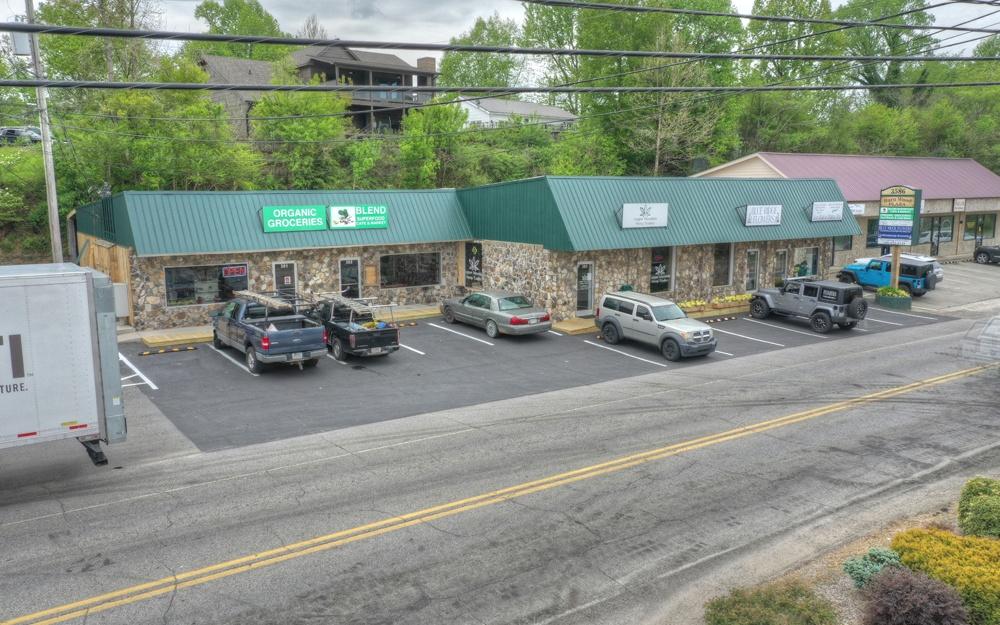 304490 Blue Ridge Commercial