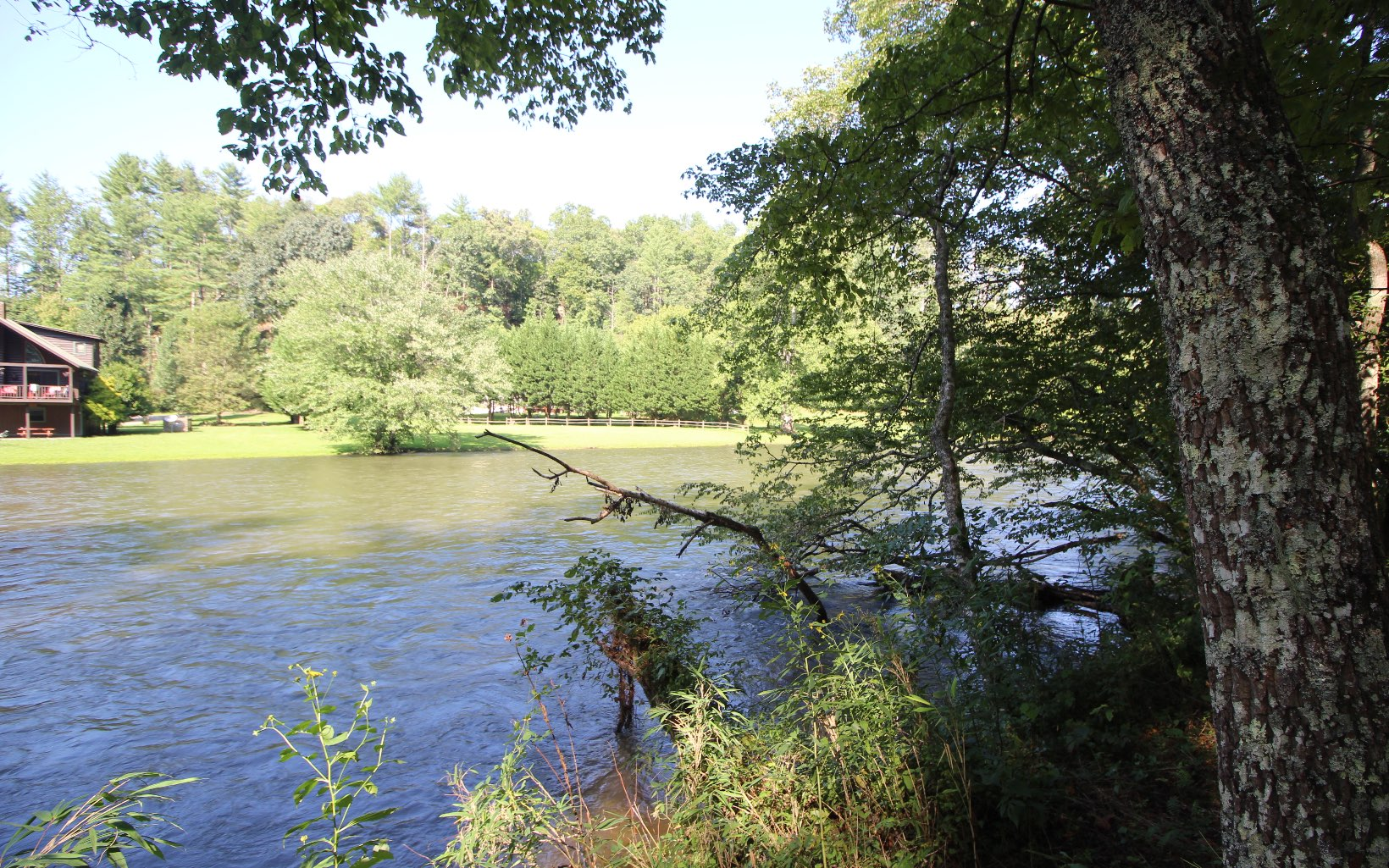 281293 Hayesville River Front