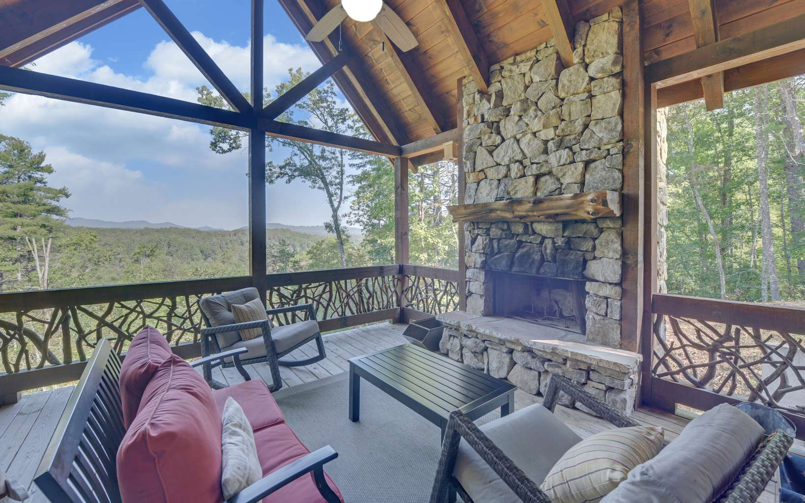279096 Mineral Bluff Residential